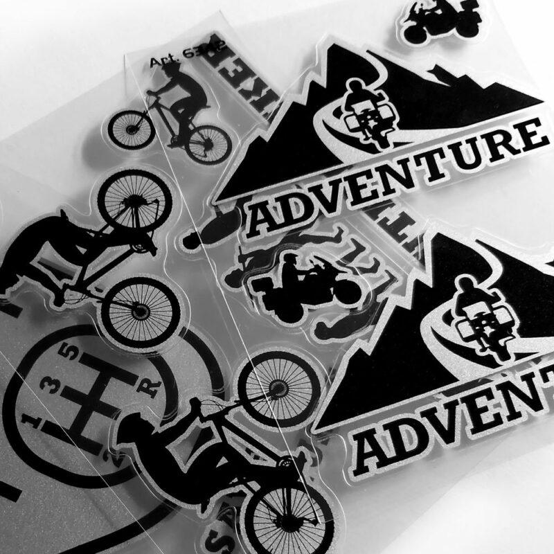 Adesivo supersagomato adventure mountain dettagli