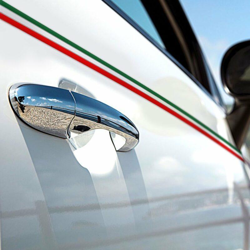 Strisce adesive per auto tricolore Italia esempio di applicazione portiera auto