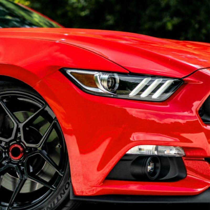 Pellicola adesiva per wrapping rosso corse applicazione auto