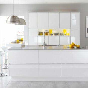Pellicola Adesiva Effetto Bianco Lucido 45 cm x 2 mt applicato