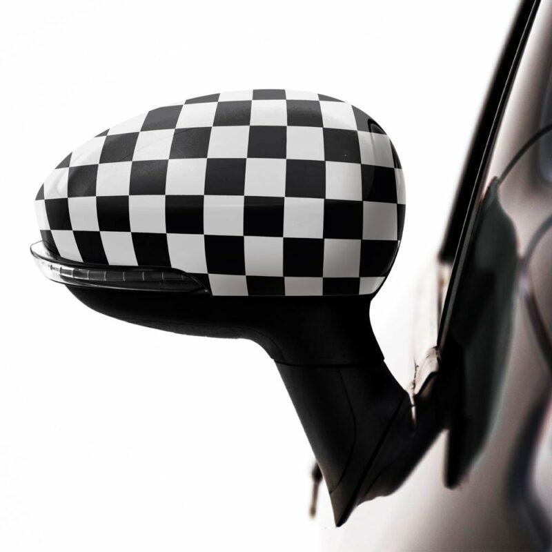 Pellicola adesiva scacchi bianco e nero applicazione auto