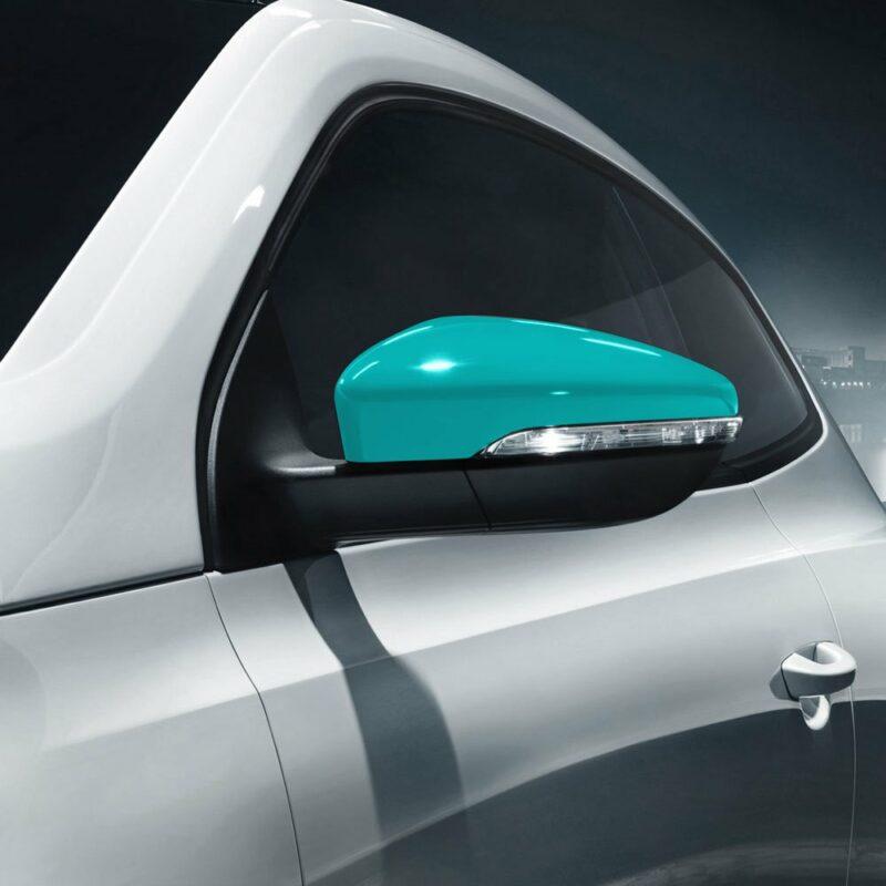 Pellicola adesiva verde petronas applicazione auto