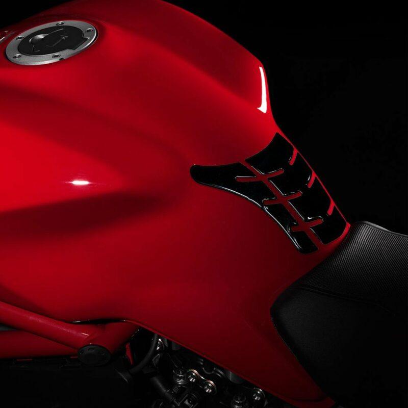 Protezione Serbatoio Adesiva 3D Tipo Originale, Ducati Monster Old applicazione