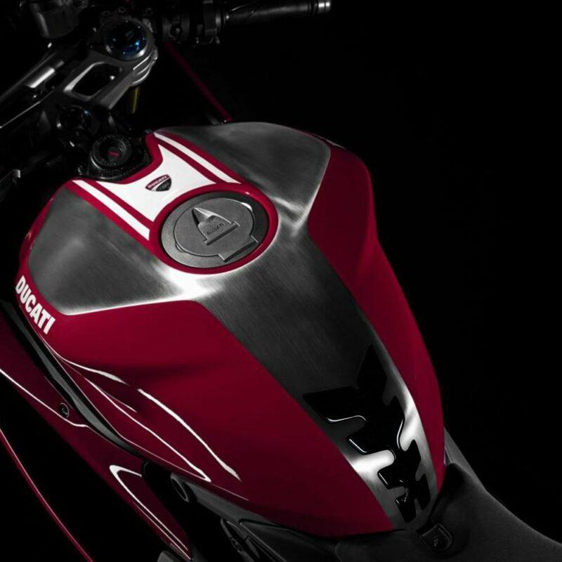 Protezione Serbatoio Adesiva 3D Tipo Originale, Ducati Panigale applicazione