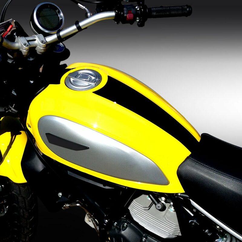 Protezione Serbatoio Adesiva 3D Tipo Originale, Ducati Scrambler applicazione