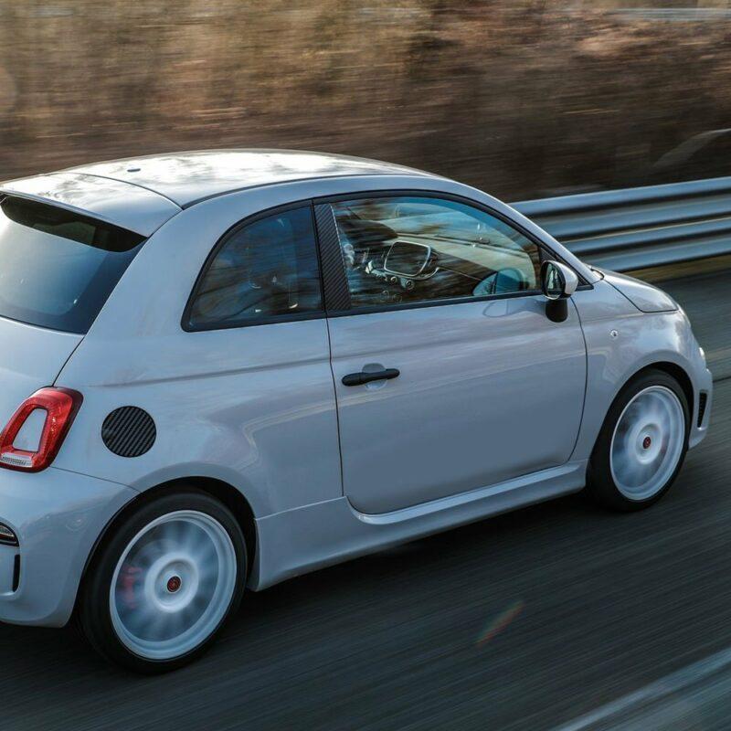 Adesivi Coprimontanti Anteriori Fiat 500 Abarth applicazione