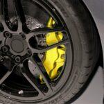 vernice-per-pinze-freni-alte-temperature-giallo-applicazione