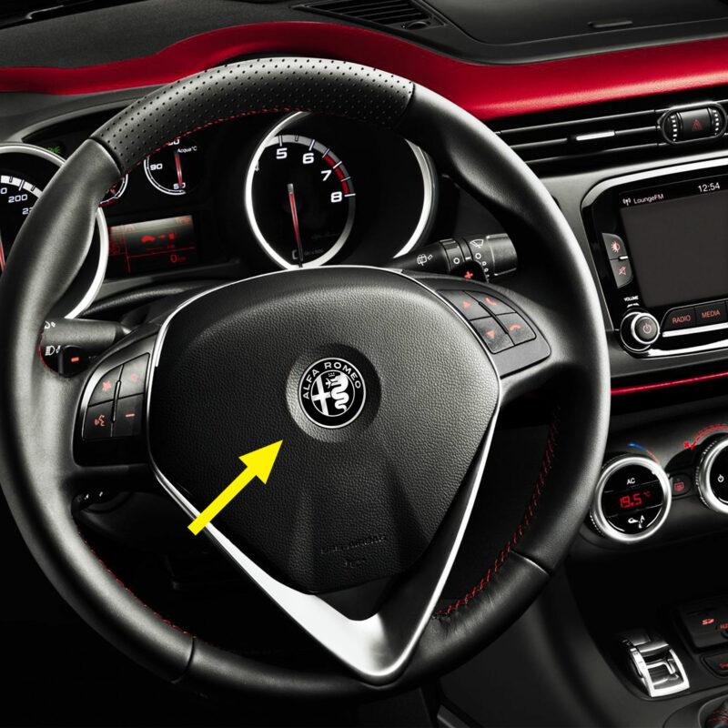 alfa romeo adesivo logo per volante, color, esempio d'uso alfa mito